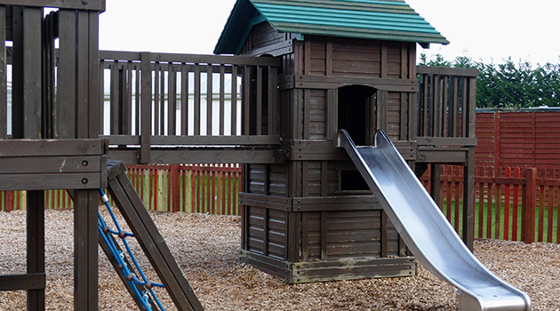 7 reasons why you need a jungle gym in your backyard